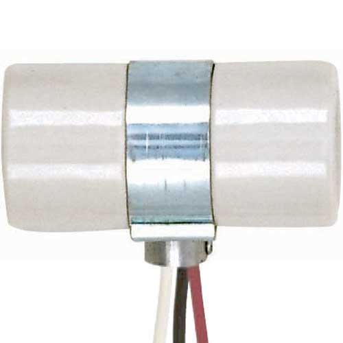 Twin 2-Circuit Porcelain Socket With Single 1/8 Ip Bushing Cap
