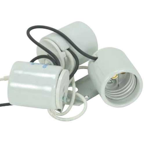 Three Light Porcelain Socket With 1/8 Ip Metal Mounting Strap